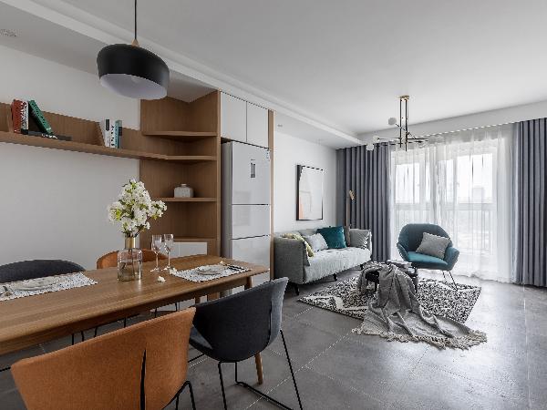 一个温暖、舒适、简练的居住空间