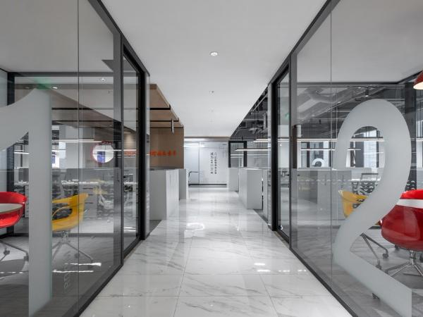 多艺教育总部办公室——创造快乐的办公空间