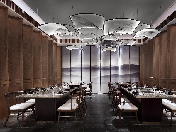 """喜欢这个火锅餐厅的设计:东宝制造的""""轻奢新主义"""""""