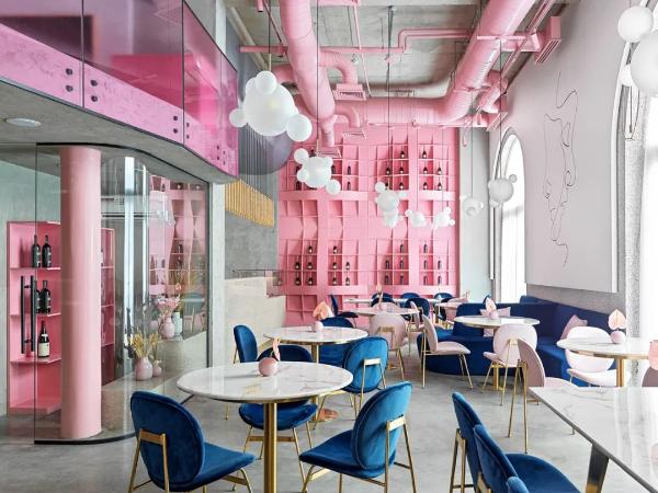 一家温柔与野蛮和谐结合的餐厅!